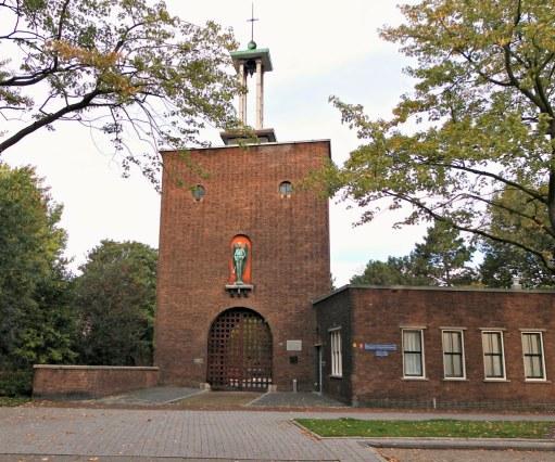 h35-poortgebouw-voormalige-sint-laurentius-begraafplaats-tegenwoordig-begraafplaats-crooswijk